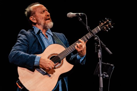 Colin Hay @ Lincoln Theatre - 10/21/2017 — ChunkyGlasses
